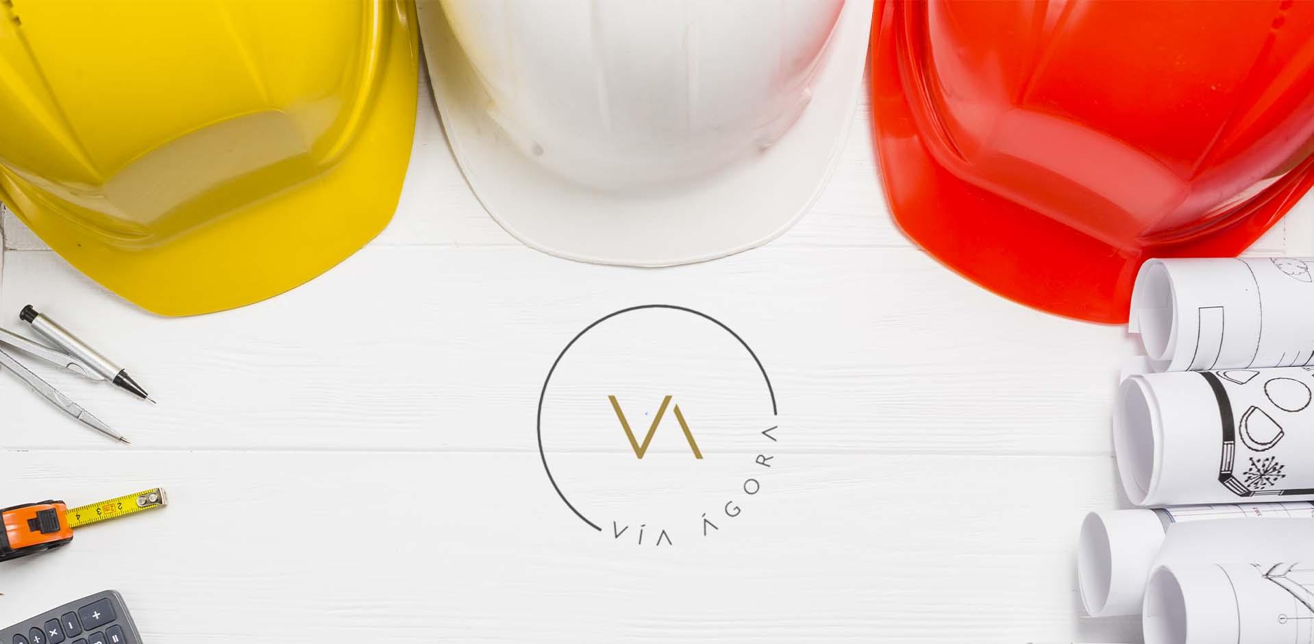 logo casco de construcción Vía Ágora